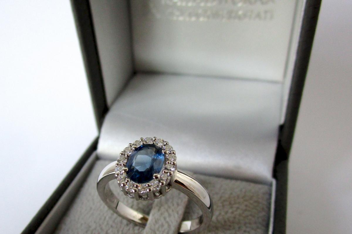 Ring Verlobungsring Charmoisierung Weißgold Saphir Brillanten Etui  - Wien