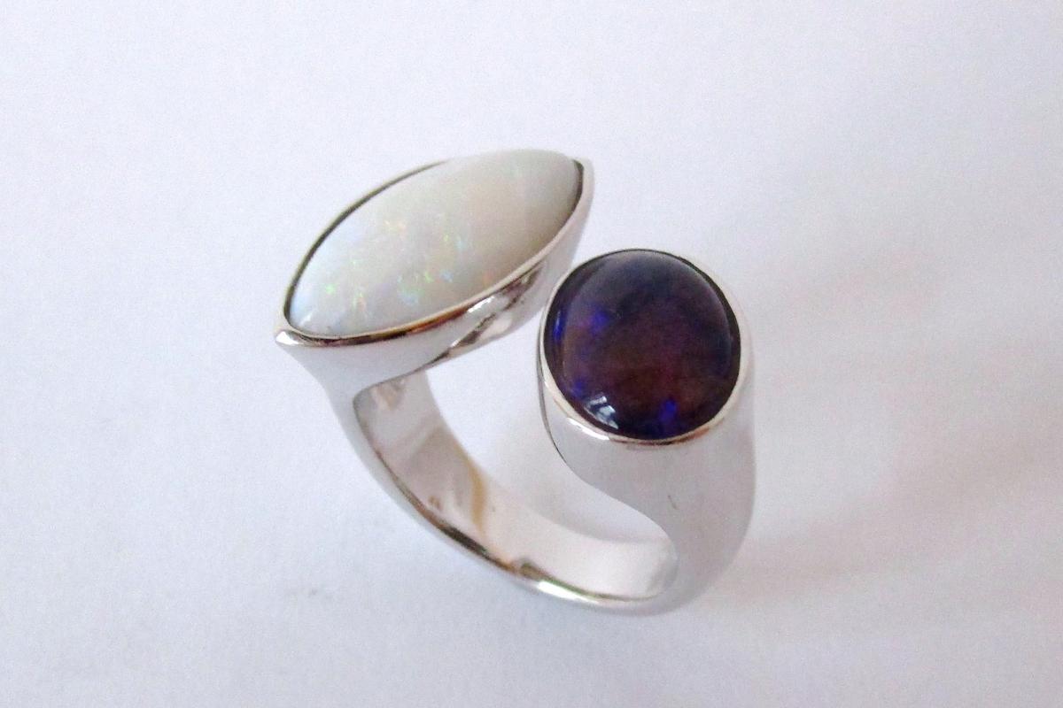 Ring Weißgold offen Opal Schwarzopal  - Wien