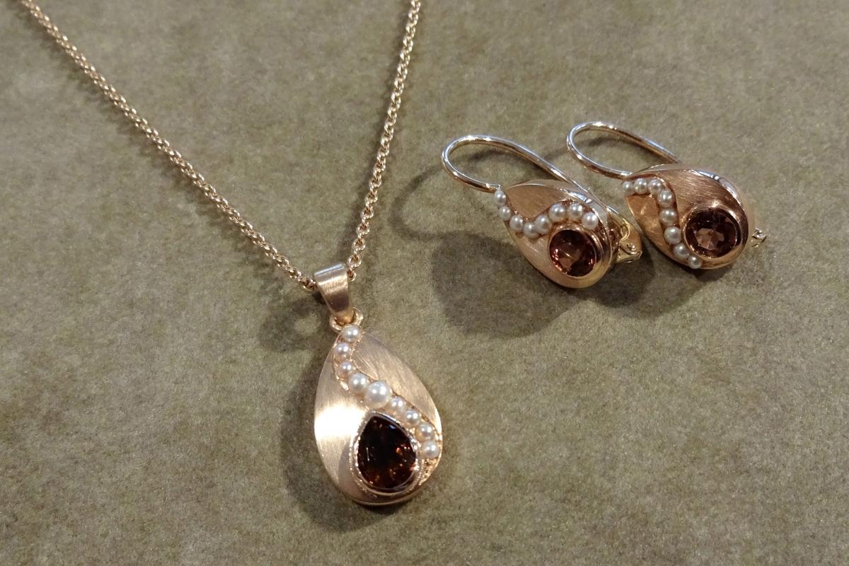 Schmuck Set Anhänger Ohrringe Rotgold Turmalin Perlen  - Wien
